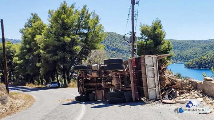 Overturned Garbage Truck (1 Of 1)