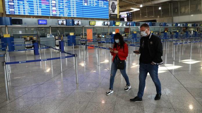 Ανοιχτά τα εμπορικά καταστήματα στα αεροδρόμια της χώρας