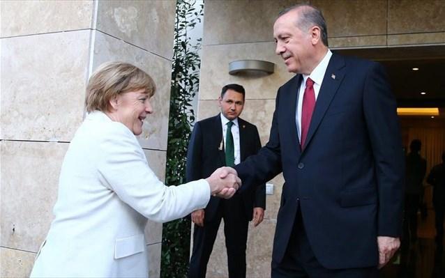 Επικοινωνία Μέρκελ Ερντογάν: Το παράπονο της Τουρκίας για την Ελλάδα