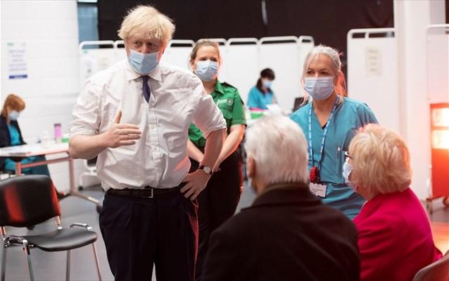 Τζόνσον: Τα εμβολιαστικά κέντρα θα λειτουργούν 24 ώρες το 24ωρο