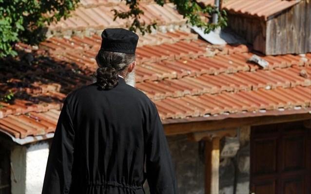 Απίστευτο κήρυγμα ιερέα – «Θα μπορούσα να απαγορεύσω την είσοδο σε εμβολιασμένους»