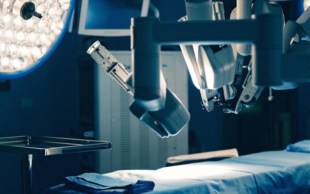 Εσπευσμένα στο χειρουργείο η 44χρονη – Επιδεινώθηκε η εγκεφαλική αιμορραγία