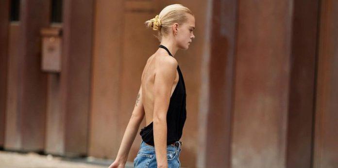 Backless Tops: Τα μπλουζάκια με ανοιχτή πλάτη είναι η «εμμονή» μας κάθε καλοκαίρι