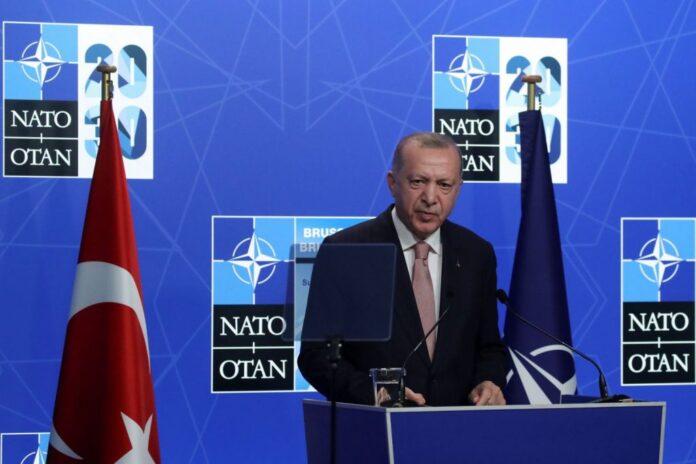 Ερντογάν: Αυτά είπα με τον Μητσοτάκη – «Δεν υπάρχει λόγος να μπαίνουν τρίτοι ανάμεσα μας»