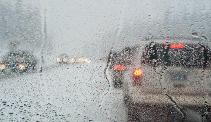 «Χειμωνιάτικο» σκηνικό αύριο – Πού θα έχουμε καταιγίδες και χαλάζι