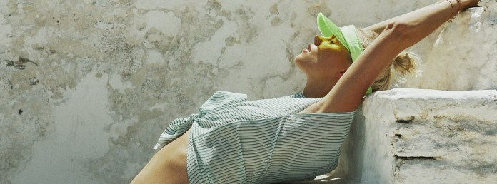 To τεύχος Ιουλίου του ELLE είναι μια δροσερή βουτιά στο ελληνικό καλοκαίρι