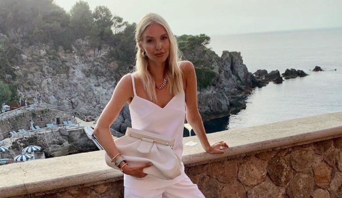 10 λευκά κομμάτια σε έκπτωση από τα Zara που θα σε βγάλουν ασπροπρόσωπη σήμερα και όλο το καλοκαίρι