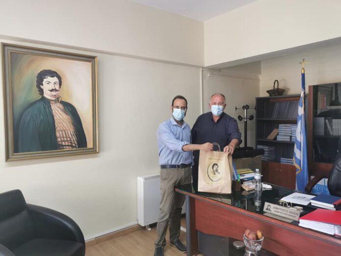 Επίσκεψη του Βουλευτή Μαγνησίας Κωνσταντίνου Μαραβέγια στον Δήμαρχο Ρήγα Φεραίου
