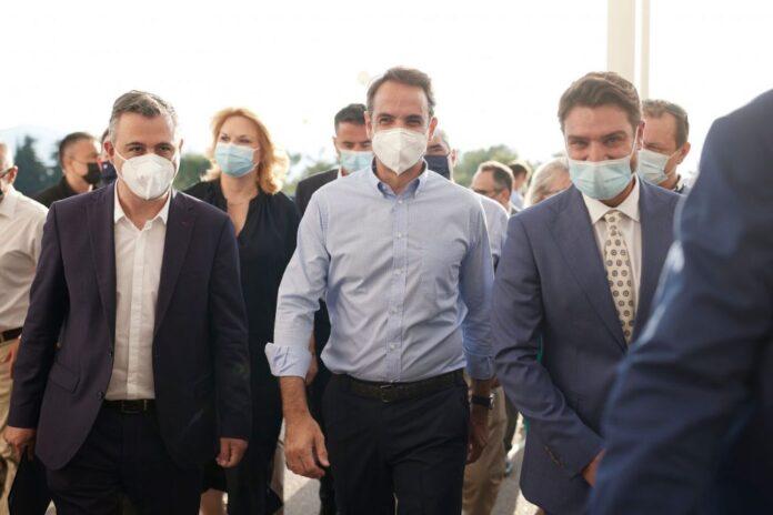 Κίνητρα σε φαρμακοποιούς και γιατρούς για την αύξηση των εμβολιασμών προαναγγέλλει ο Μητσοτάκης