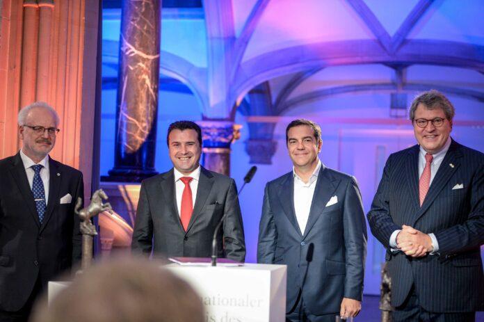 Γερμανία: Απονεμήθηκε το βραβείο Ειρήνης της Βεστφαλίας σε Τσίπρα – Ζάεφ