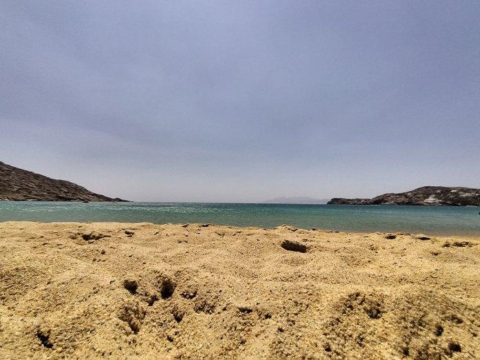 Καλοκαιρινές διακοπές σε Ίο και Νάξο παρέα με το TCL 20L+