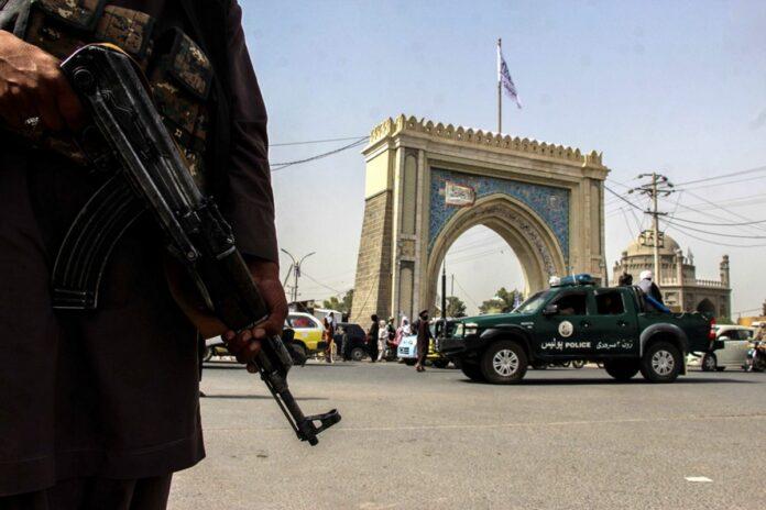 Ταλιμπάν βίασαν και ξυλοκόπησαν γκέι που επιχείρησε να διαφύγει από τη χώρα