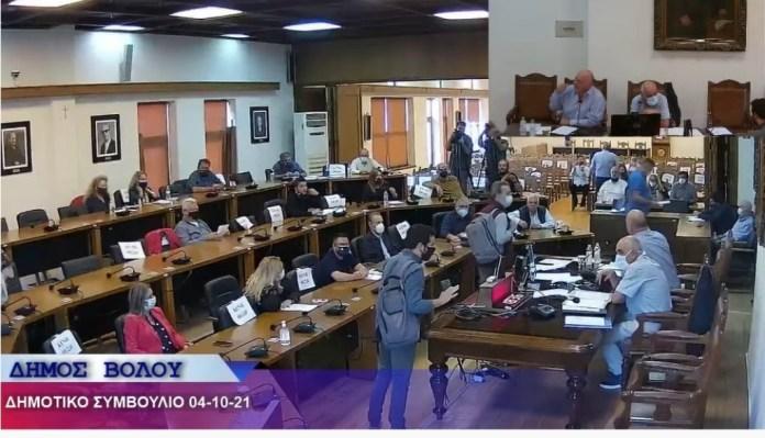 Δημοτικό Συμβούλιο: Επίθεση Μπέου με χυδαίες εκφράσεις κατά Αποστολάκη και λογοκρισία κατά ΛΑΣ