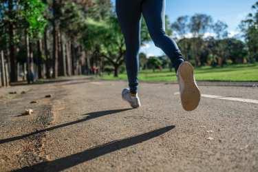 経皮マグネシウムの継続使用により、こむら返りの痛み、頻度および持続時間を減少させることが判明