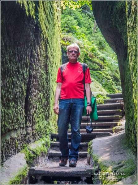 Bastei Szwajcaria Saksońska schodami wdół