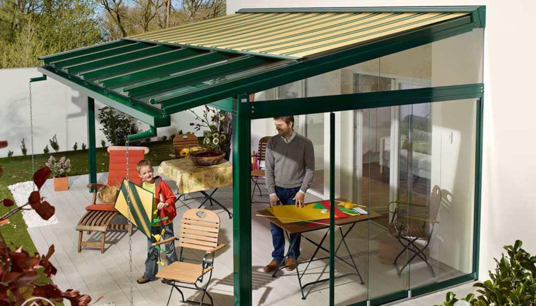 pergola tarasowa ze szklanym dachem