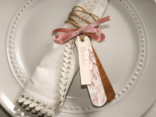 Etsy English Country Garden wooden label name place cards via the National Vintage Wedding Fair blog