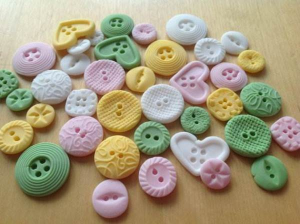 Etsy pastel vintage button cupcake toppers via National Vintage Wedding Fair