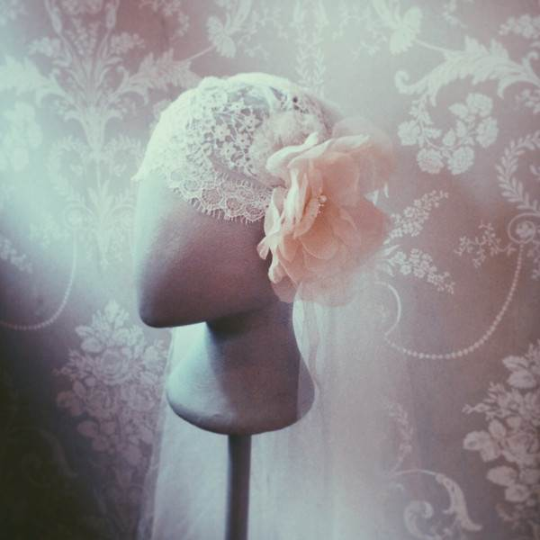 1940s 190s vintage style Provence cap by Kelly Spence via the National Vintage Wedding Fair