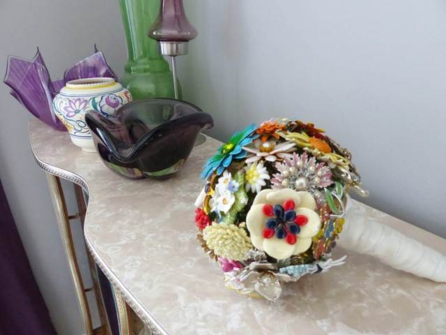 Brooch bouquet vaintage as featured on The National Vintage Wedding Fair blog