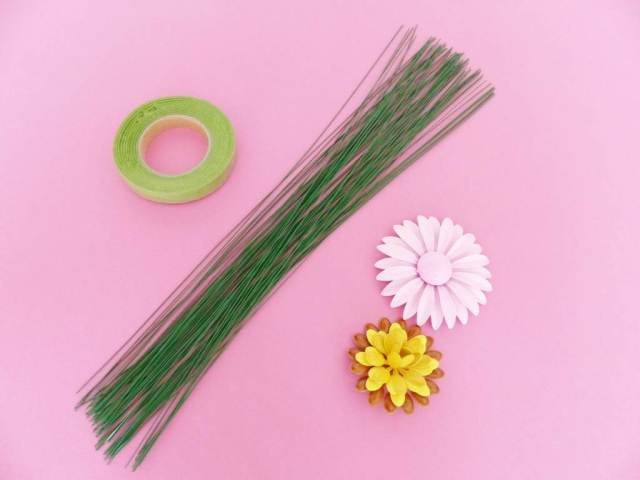 Unique Bride Journal DIY Tutorial: how to make a brooch bouquet