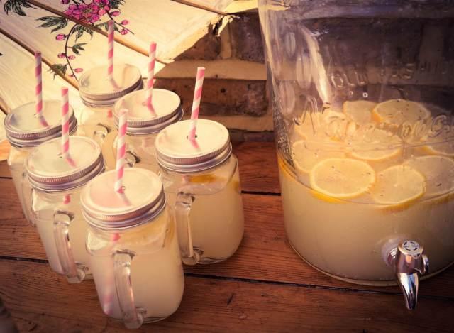 Styling ideas for a vintage wedding using kilner jars