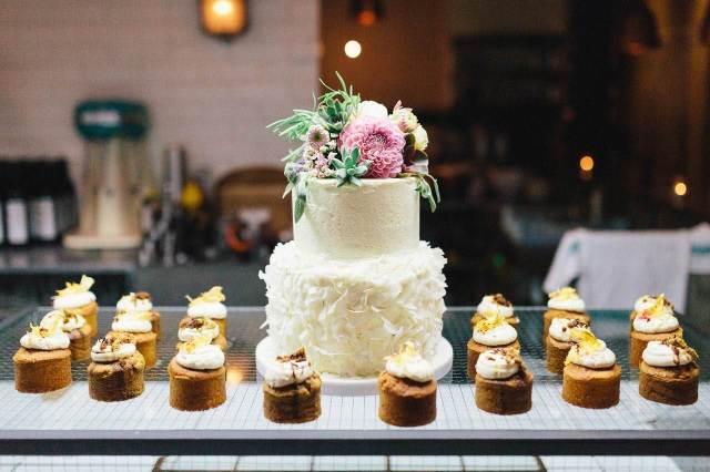 Wedding Cake Trends Mini Cakes
