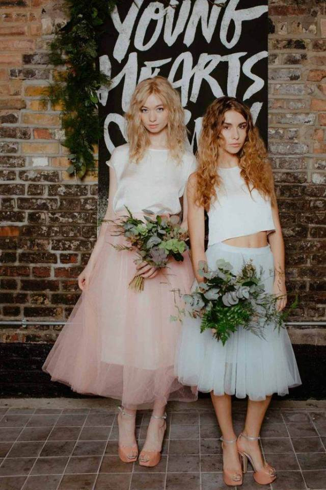 Which vintage bridesmaid dress to choose for a vintage wedding