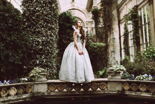 Alice in Wonderland Wedding Shoot with a difference