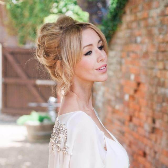 The 10 Dos and Don'ts when choosing how to wear your wedding hair
