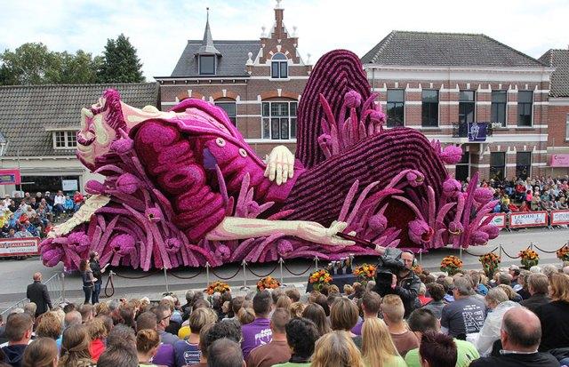 6-van-gogh-flower-parade-floats-corso-zundert-netherlands-3