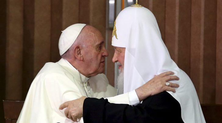 Ferenc pápa és Kirill pátriárka találkozó