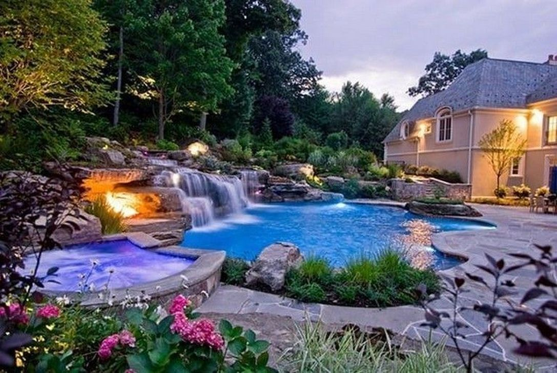 Awesome Elegant Swimming Pools Design Ideas 09