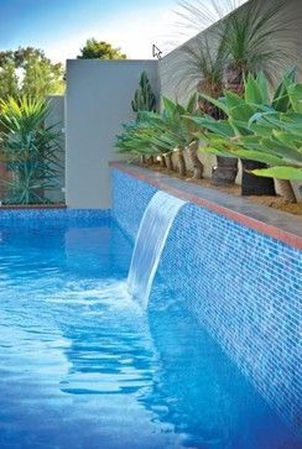 Awesome Elegant Swimming Pools Design Ideas 18