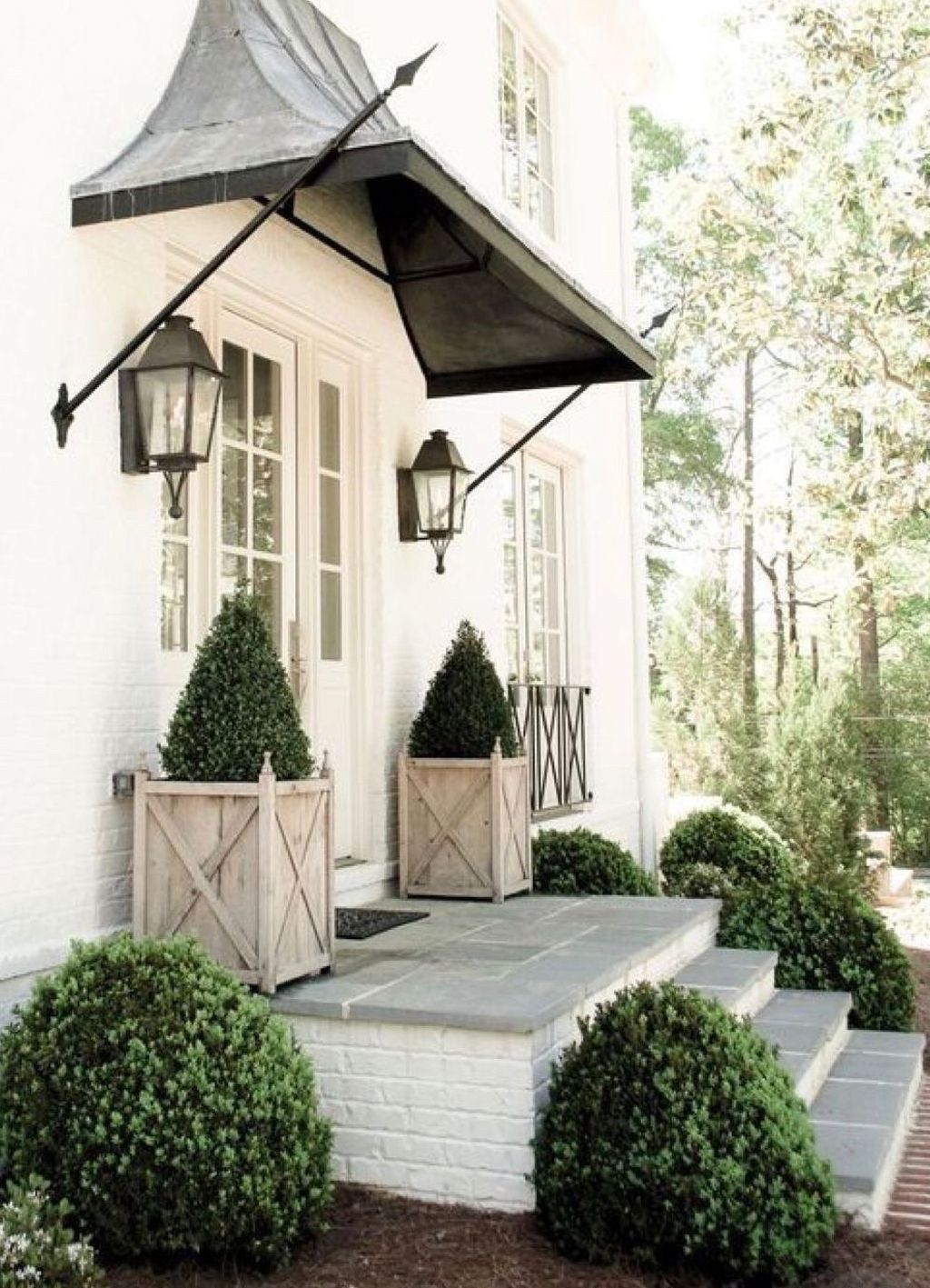 Inspiring Spring Planters Design Ideas For Front Door 13