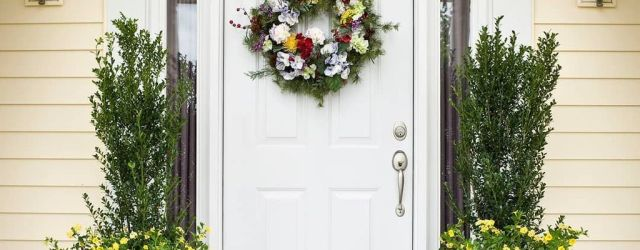Inspiring Spring Planters Design Ideas For Front Door 20