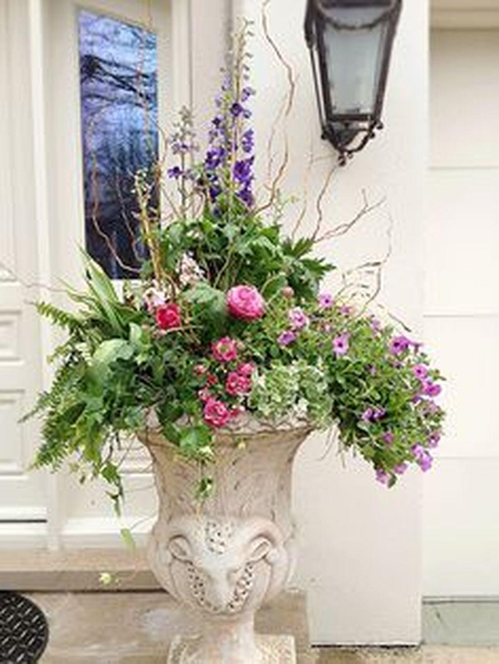 Inspiring Spring Planters Design Ideas For Front Door 25