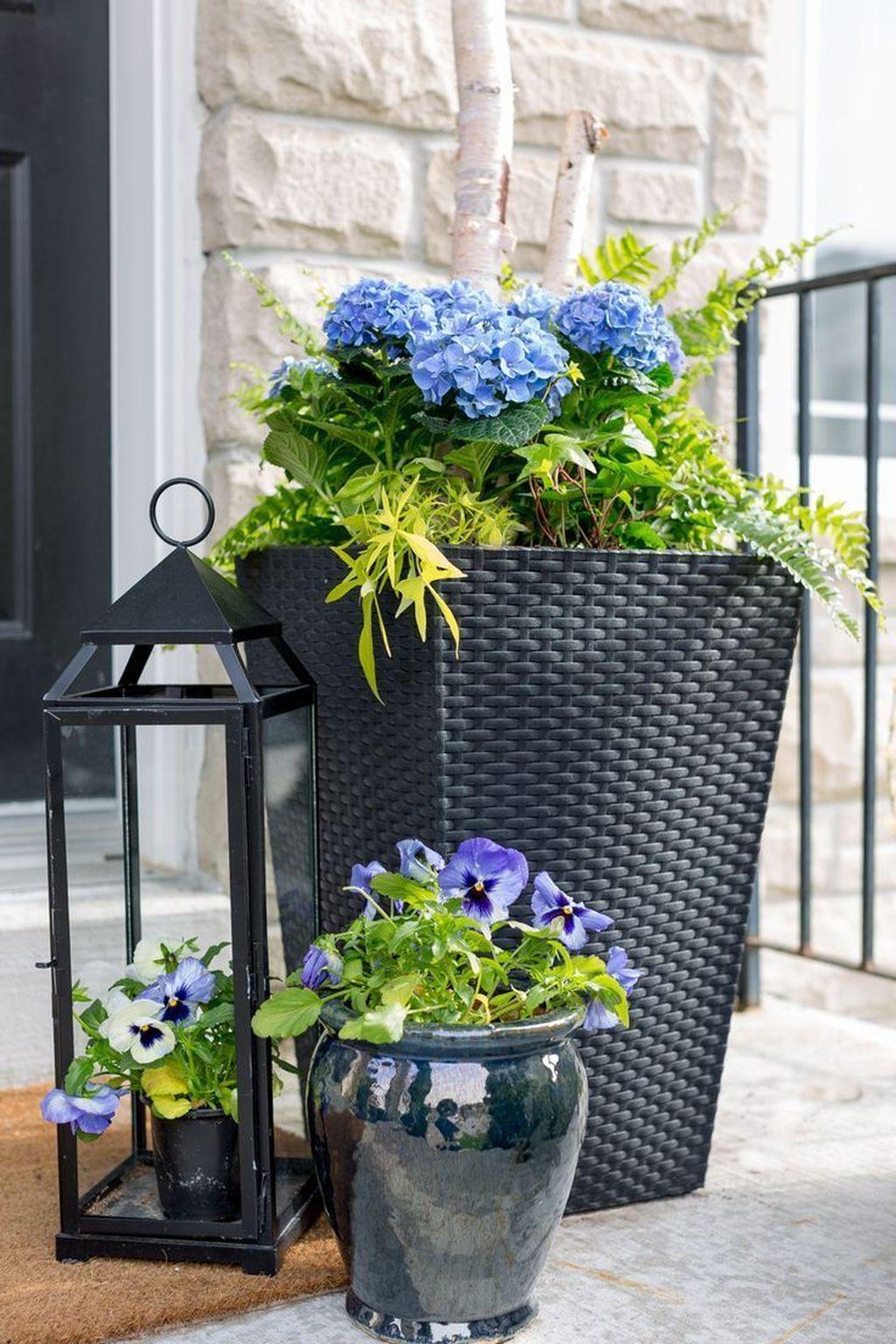 Inspiring Spring Planters Design Ideas For Front Door 30