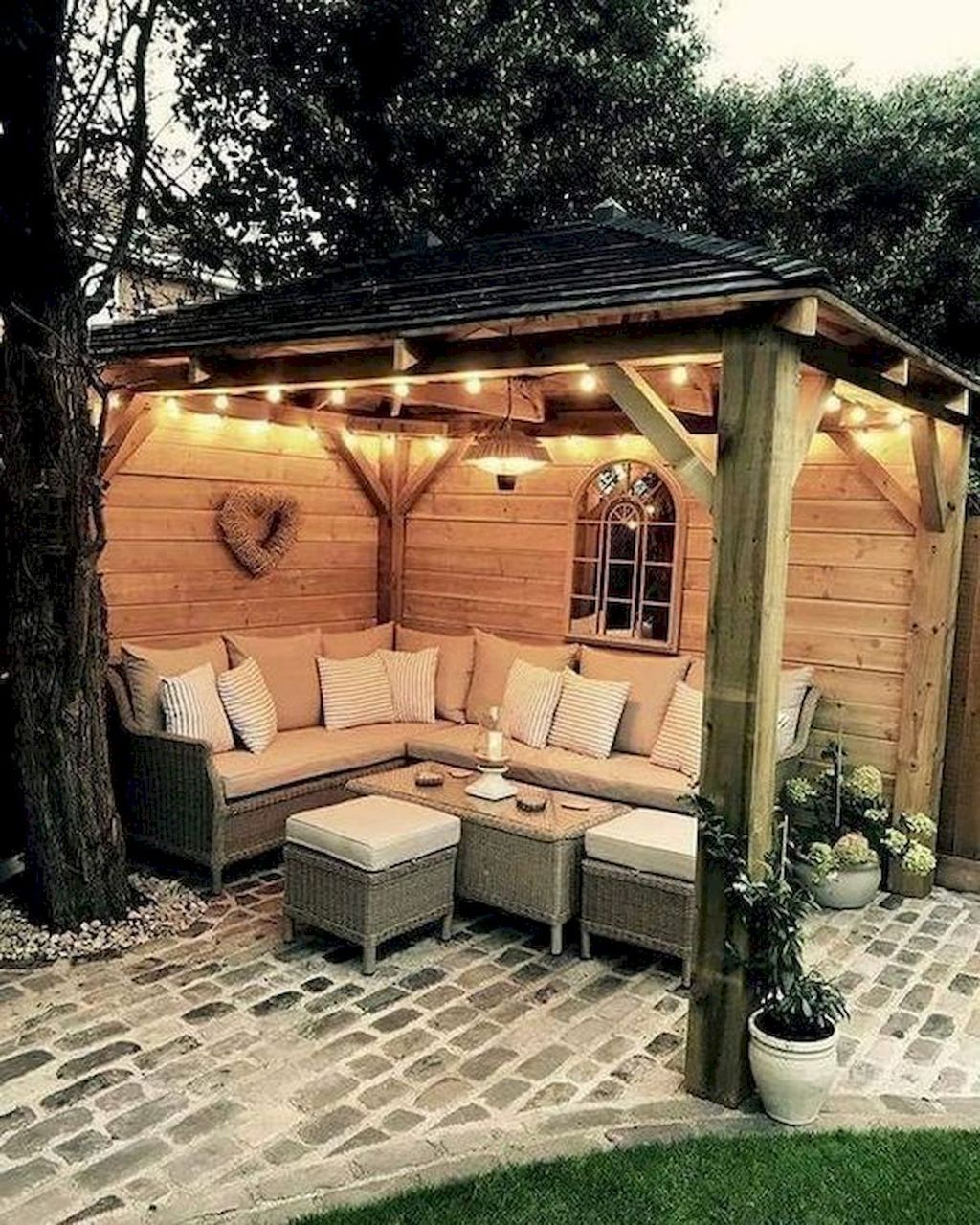 Stunning Summer Backyard Decoration Ideas 01