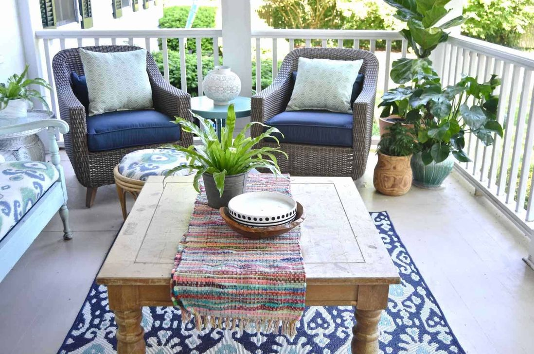 The Best Front Porch Ideas For Summer Decorating 13