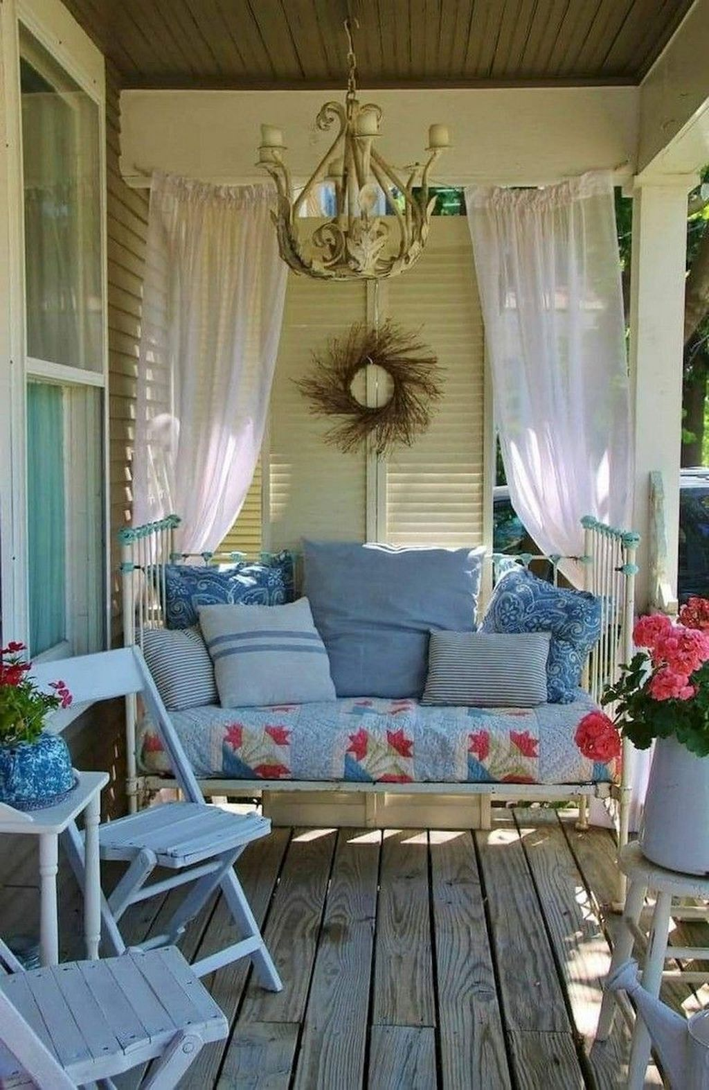 The Best Front Porch Ideas For Summer Decorating 20
