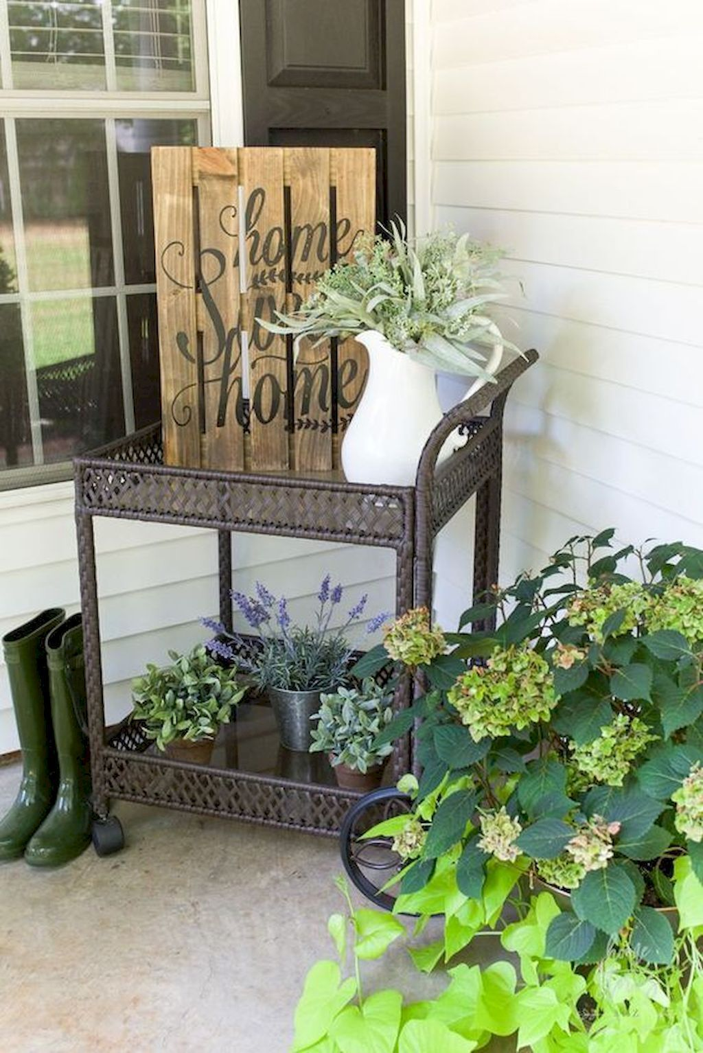 The Best Front Porch Ideas For Summer Decorating 28