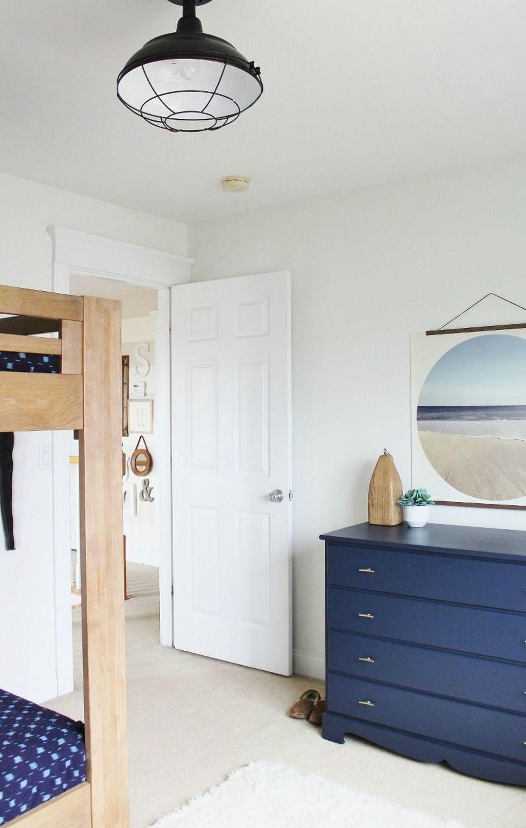 Wonderful Modern Coastal Bedroom Decoration Ideas 06