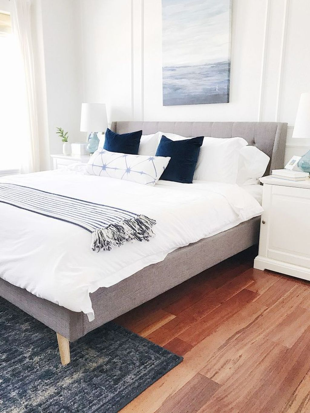 Wonderful Modern Coastal Bedroom Decoration Ideas 13