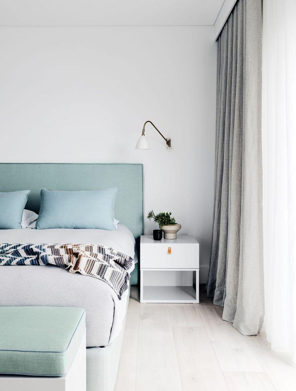 Wonderful Modern Coastal Bedroom Decoration Ideas 22