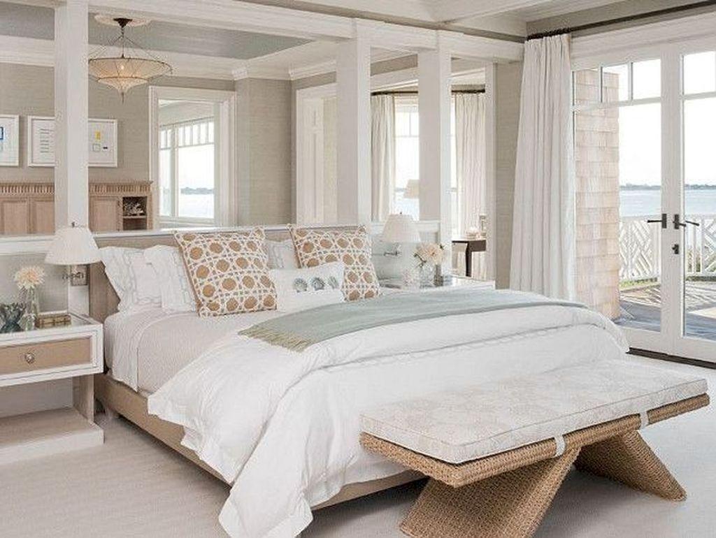 Wonderful Modern Coastal Bedroom Decoration Ideas 24