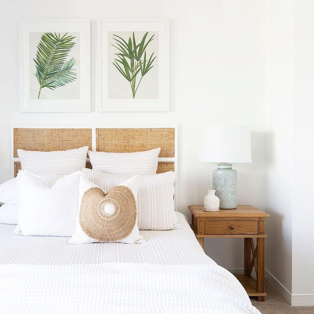 Wonderful Modern Coastal Bedroom Decoration Ideas 27