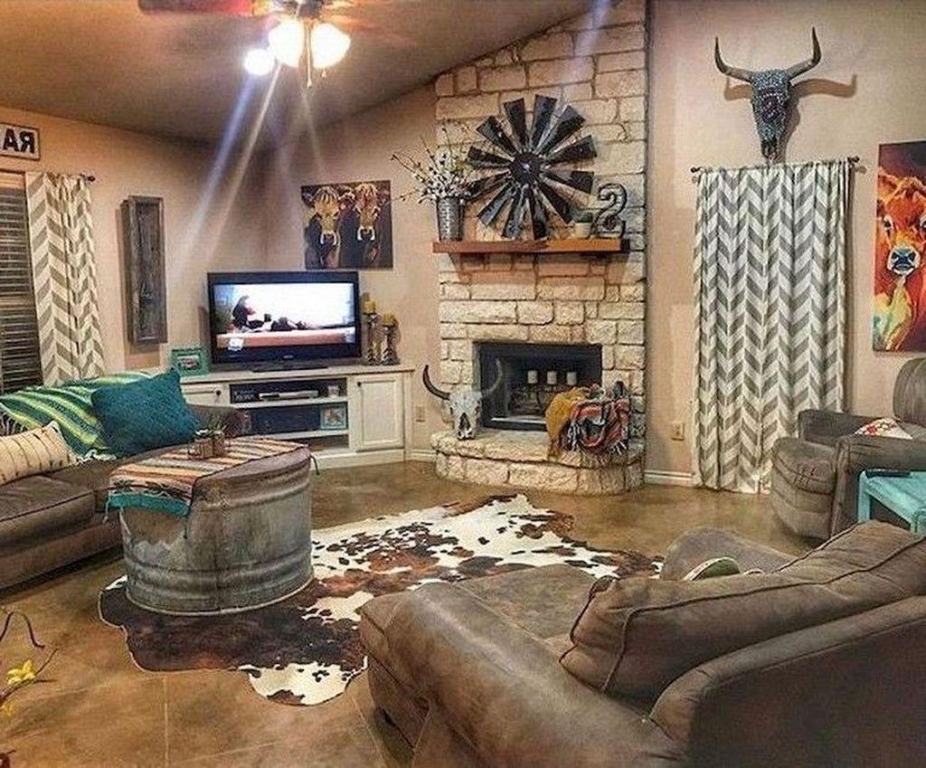 Amazing Bohemian Farmhouse Living Room Design Ideas 05