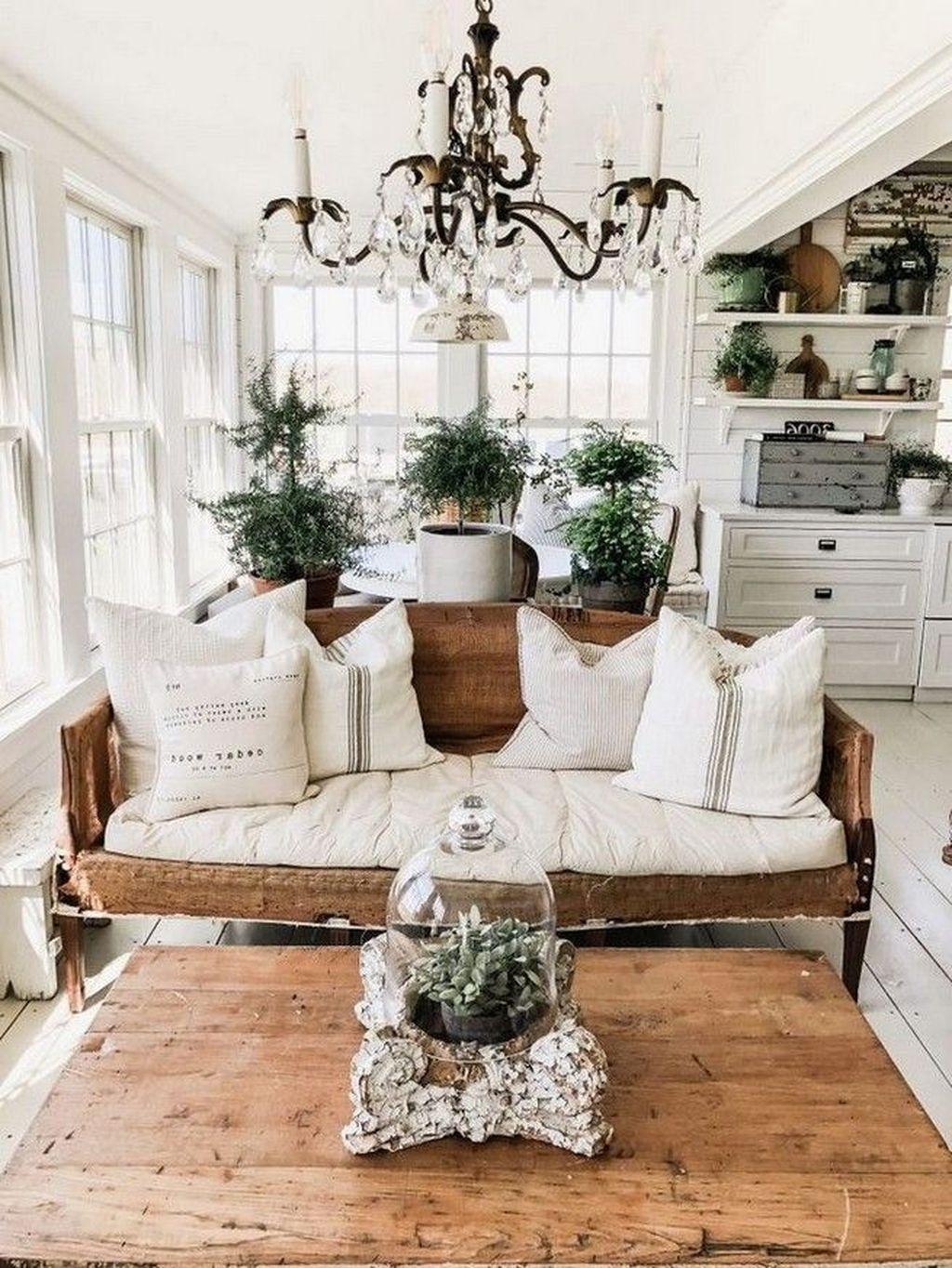 Amazing Bohemian Farmhouse Living Room Design Ideas 24