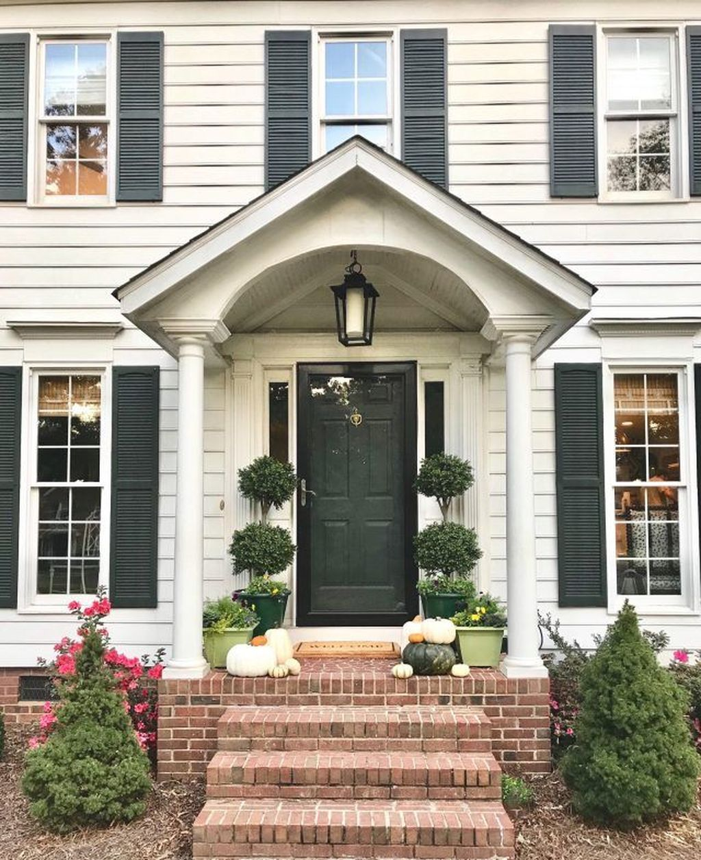 Amazing Fall Planter Ideas Best For Front Porches 18